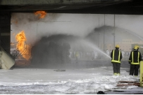 Bahan Yang Dipakai Oleh Pemadam Kebakaran (Bagian 4)